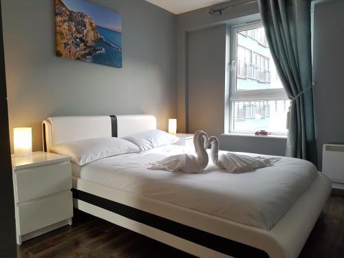 Glasgow 3 Bedroom Luxury Apartment