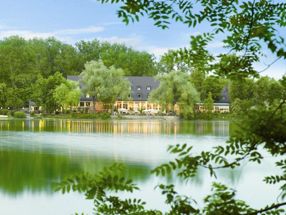 Gallery image of Hotel Langwieder See