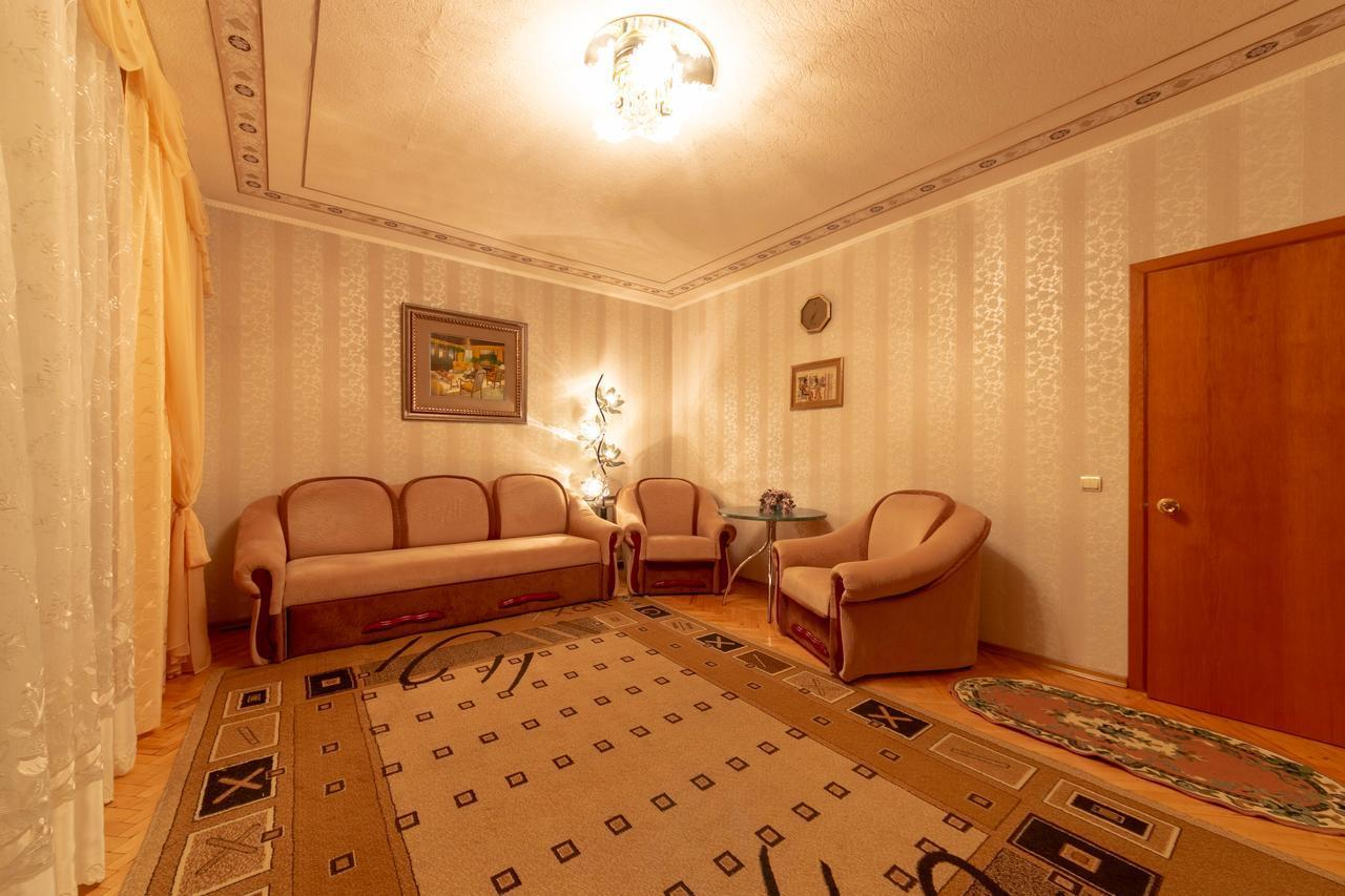 Apartments on Kutuzov Street 14