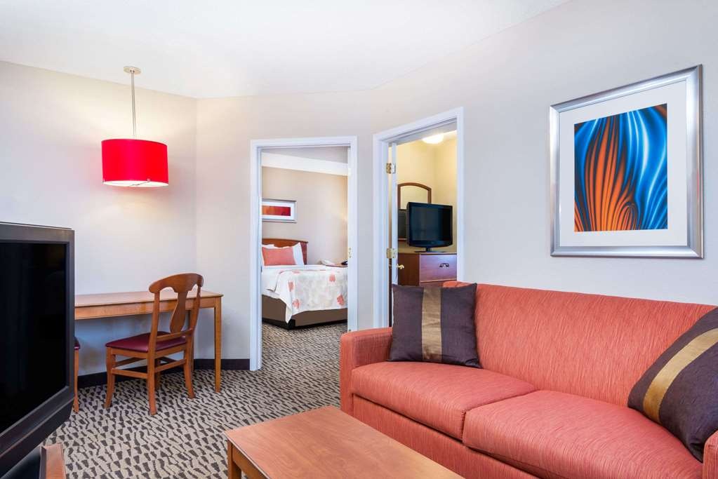 Gallery image of Hawthorn Suites by Wyndham Louisville North