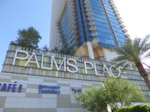 Beautiful Palms Place Suite