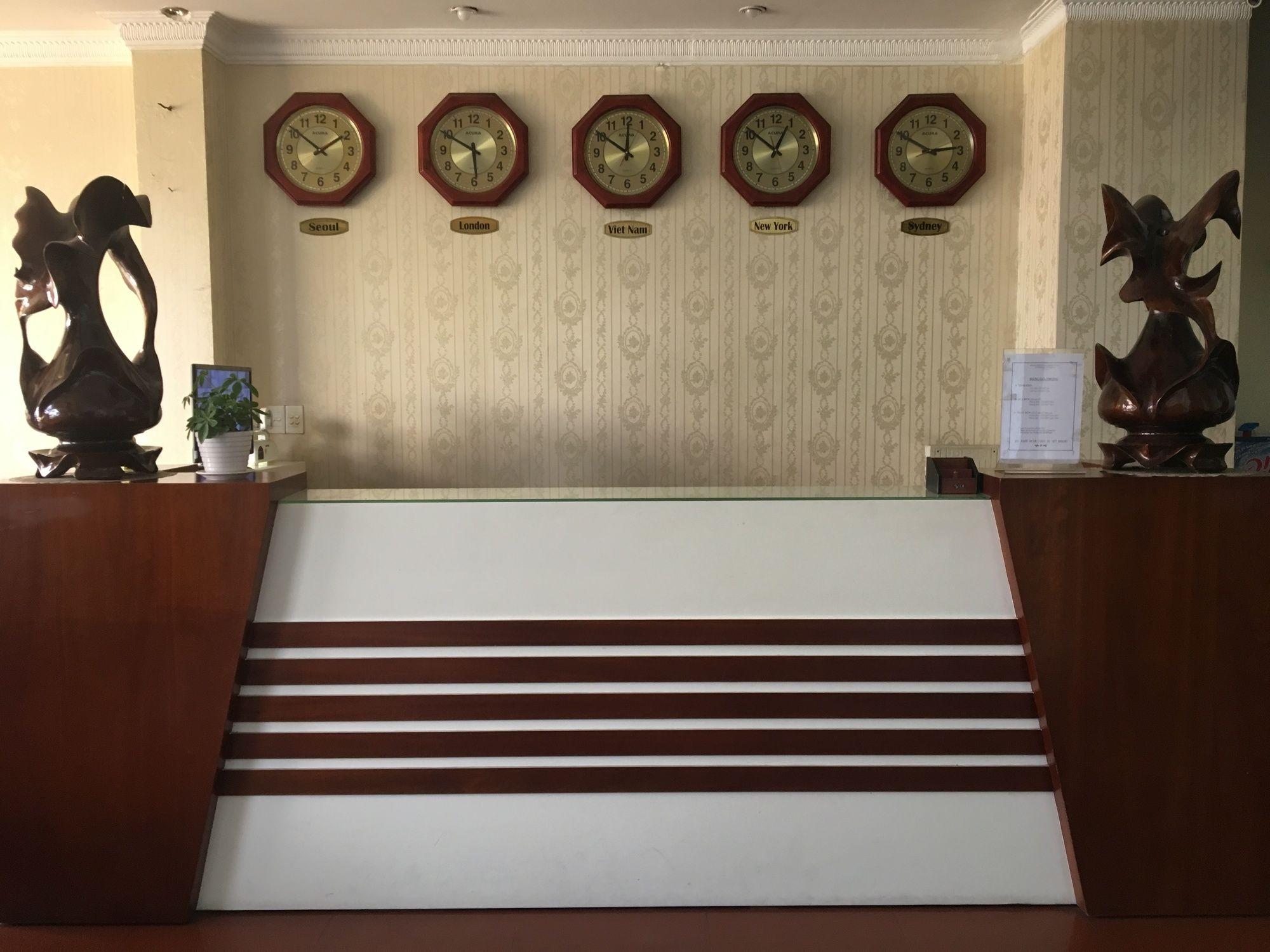 Gallery image of Hong Luan