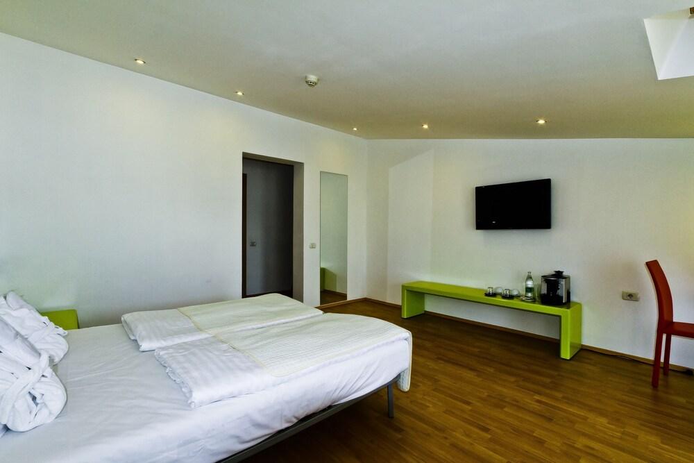 Gallery image of Christina Hotel