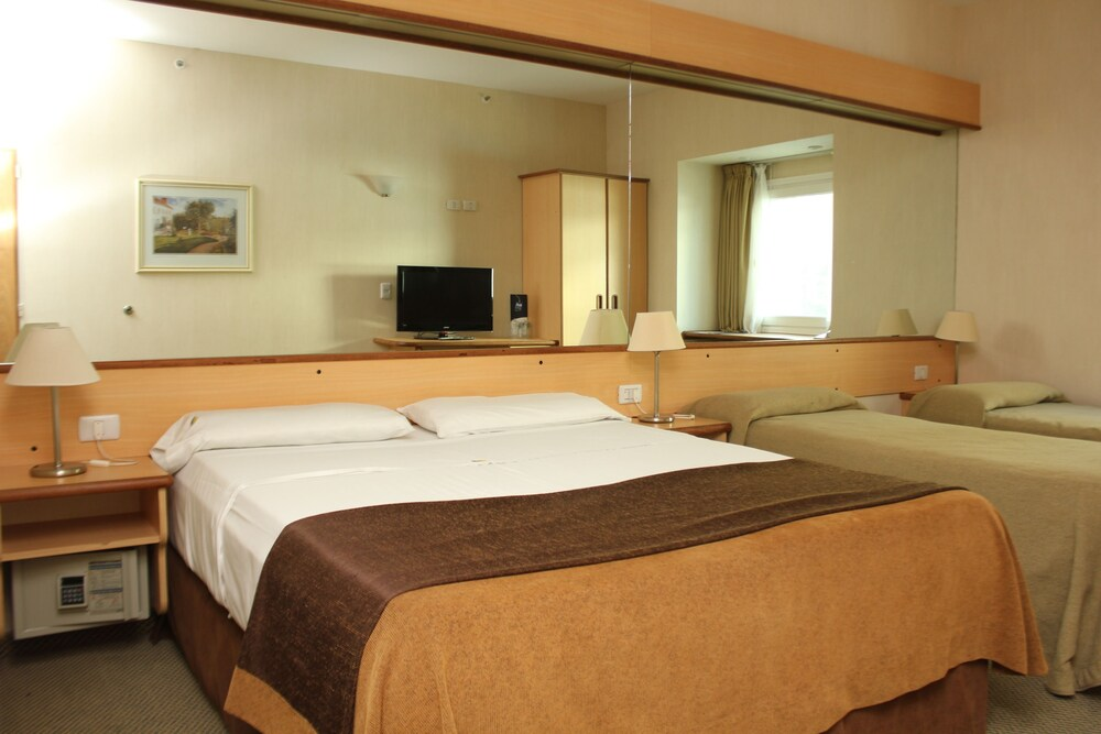 Gallery image of Aeroparque Inn and Suites