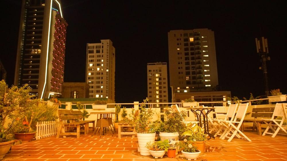 Gallery image of Birdnests Hotel