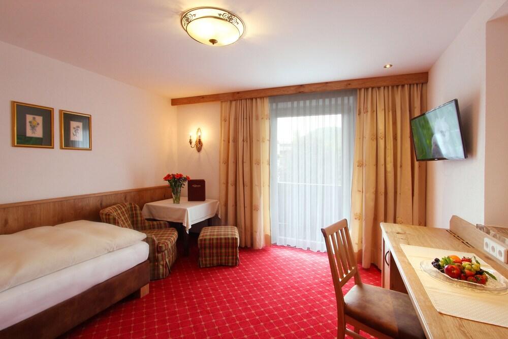 Gallery image of Parkhotel Seefeld