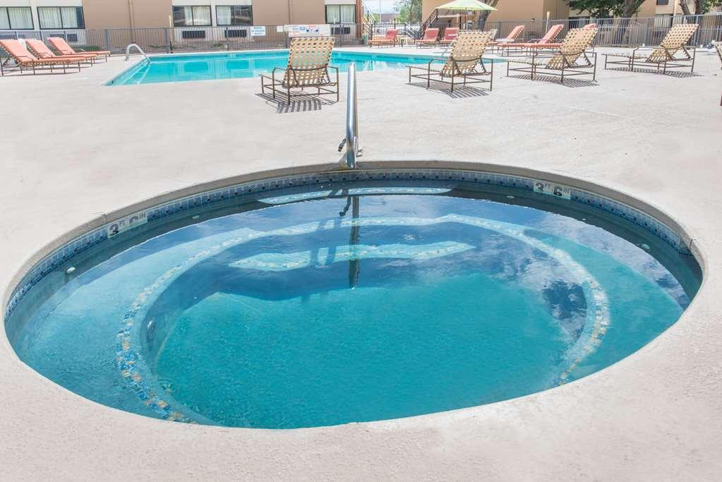 Gallery image of Ramada Albuquerque East