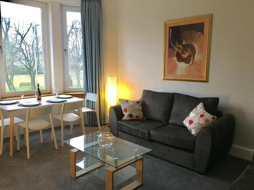 Bellahouston View Apartment