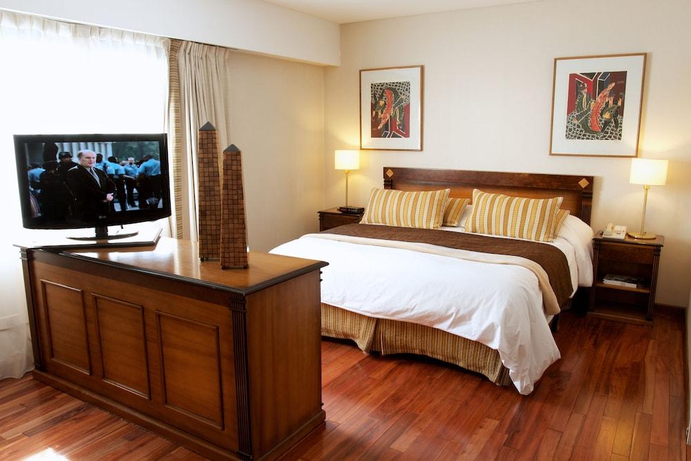 Argenta Tower Hotel & Suites
