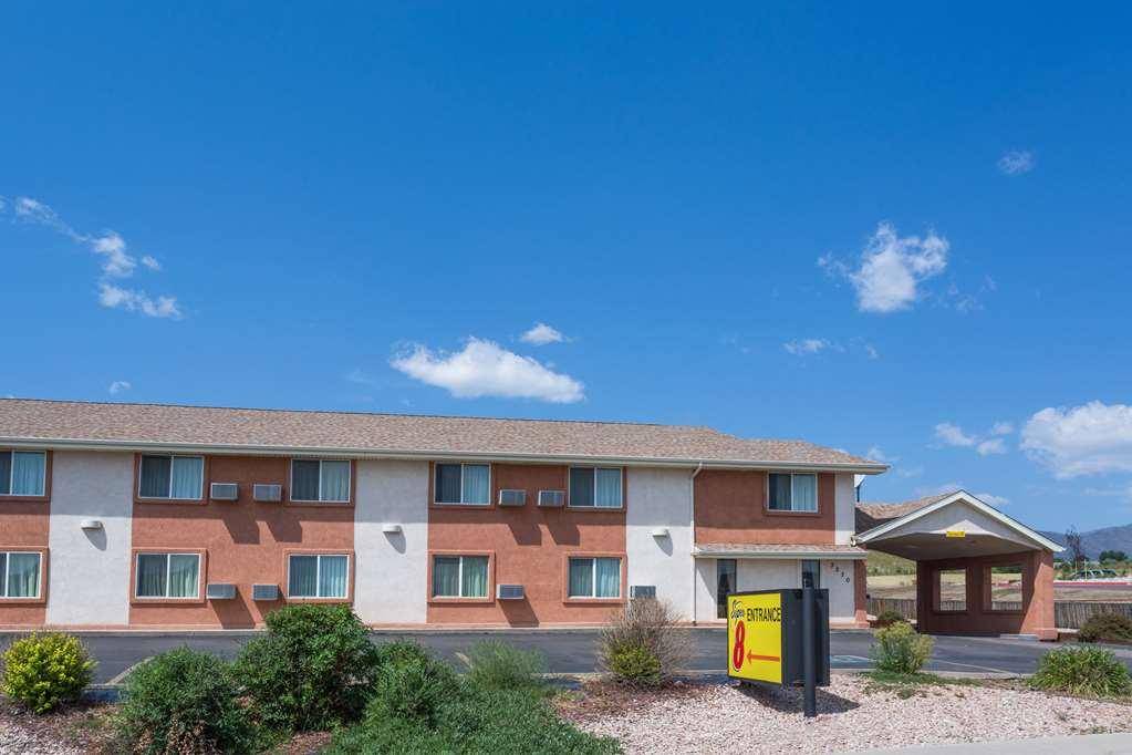 Gallery image of Super 8 by Wyndham Colorado Springs Chestnut Street