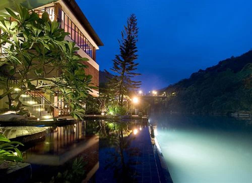 Volando Urai Spring Spa And Resort