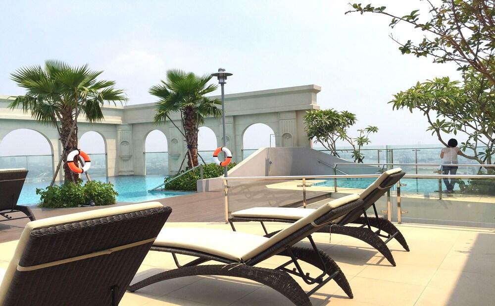 Sunny Saigon Apartments & Hotel