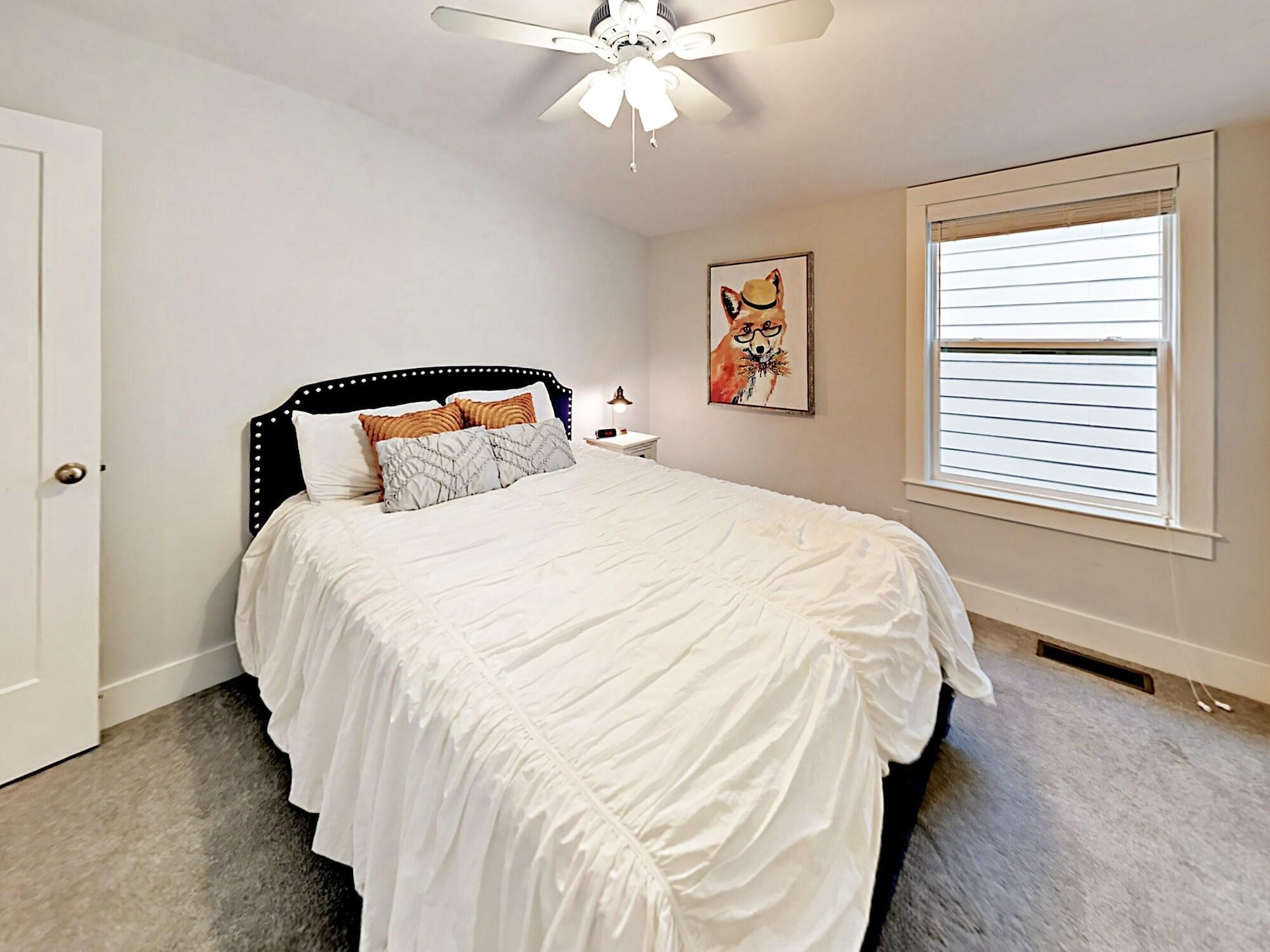 Nashville Duplex Home by RedAwning