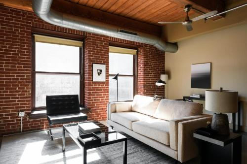 Arch Dome Dtown Large Loft with Rooftop by Zencity