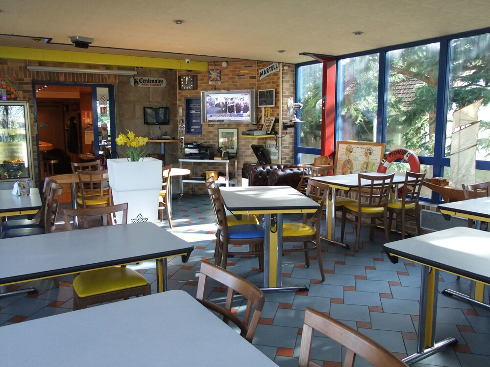Gallery image of Le Voltaire Hotel