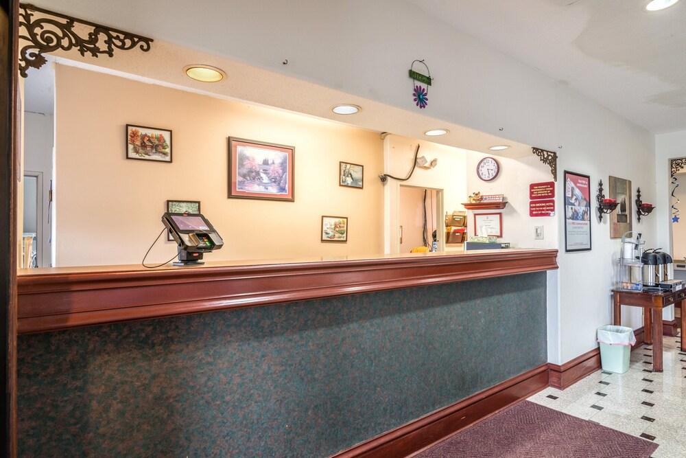 Gallery image of Red Roof Inn Kentland