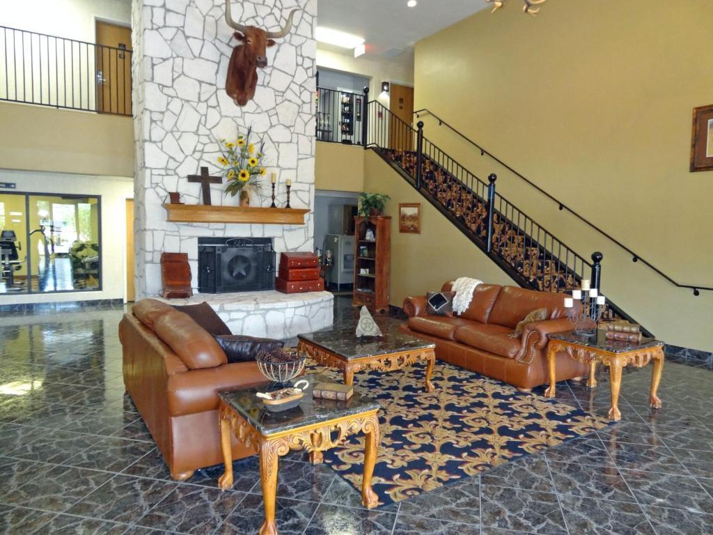 Gallery image of SureStay Plus Hotel by Best Western Beeville