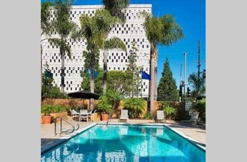 Playa 2Bed2bth W Great Amenities: Prime Location