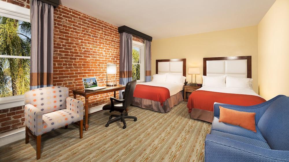 Gallery image of Holiday Inn Express Santa Barbara