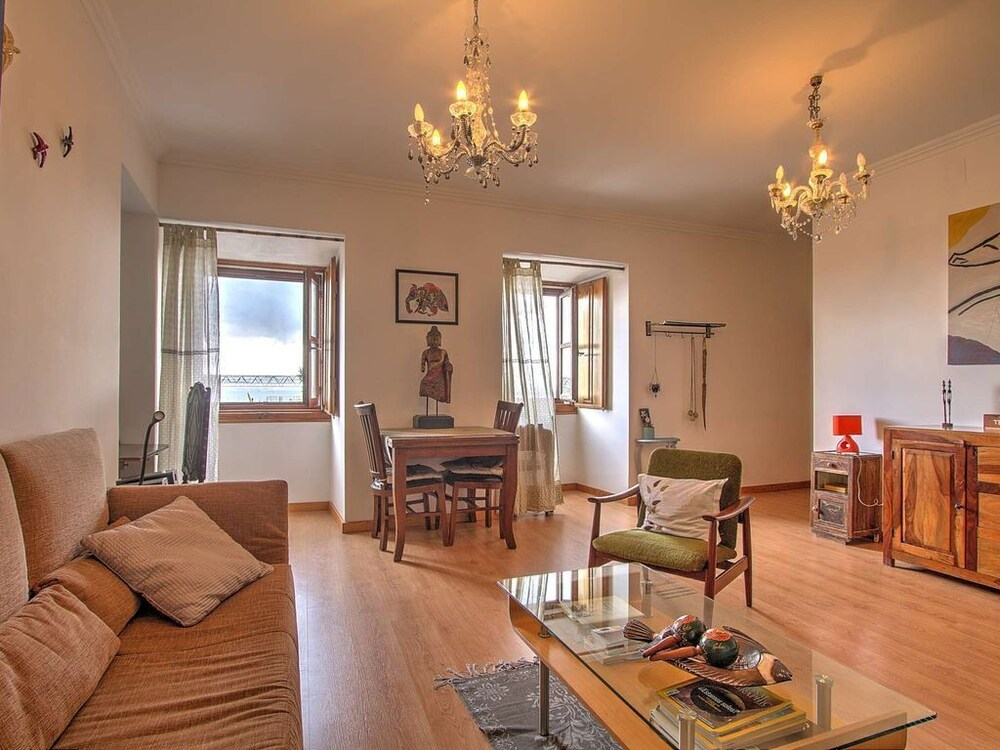 River View Very Central & Spacious 1 Bedroom