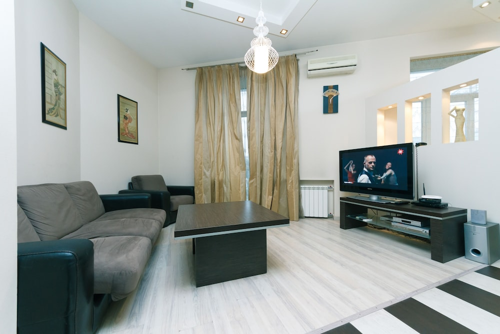 One bedroom. Luxe. 29.Kreschatyk. Centre of Kiev