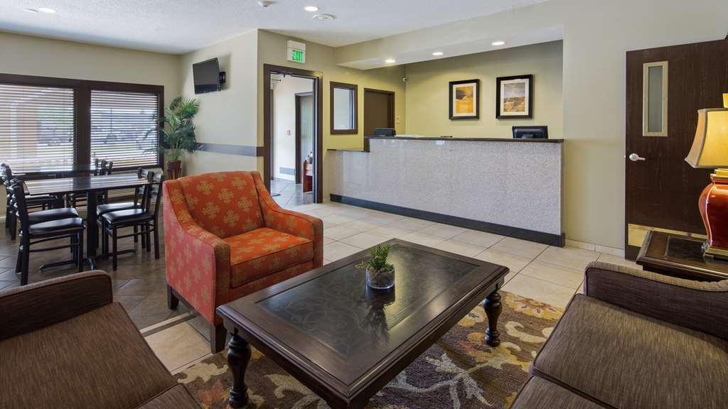 Gallery image of Best Western Crossroads Inn