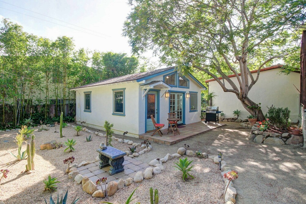 Agapios Cottage Close to State Street by RedAwning