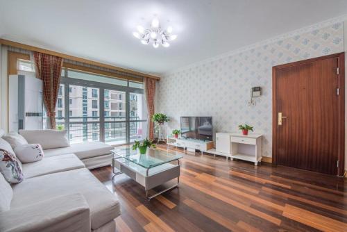 Tian Yuan Apartment Longyang Road #21
