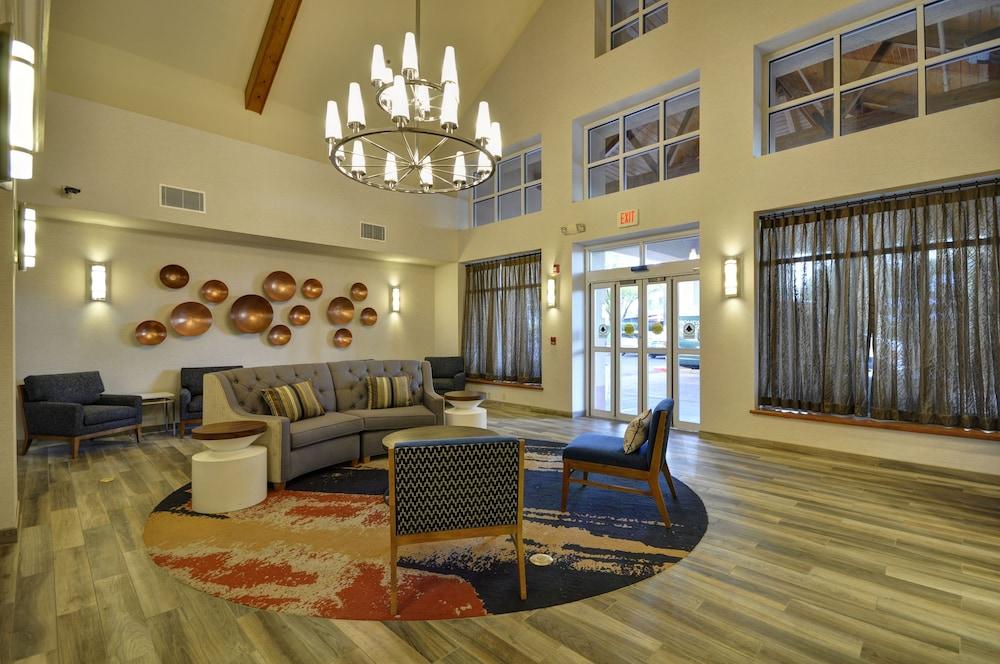 Homewood Suites by Hilton Phoenix Biltmore