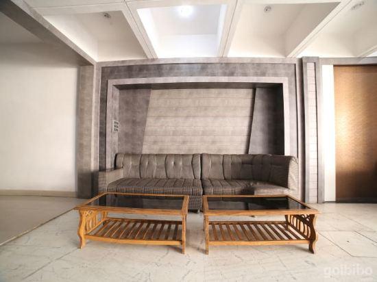 Gallery image of Capital O 38730 hotel mansarovar