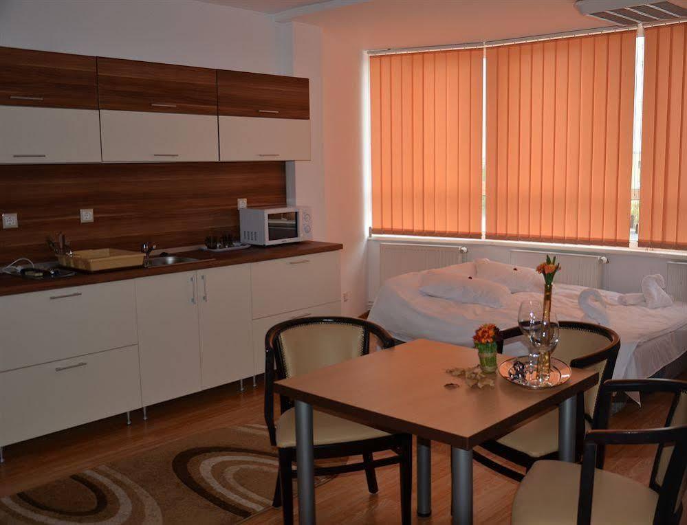 Gallery image of ApartHotel Zorilor
