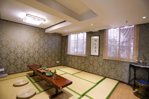 Suzhou Jade Snow Lodge