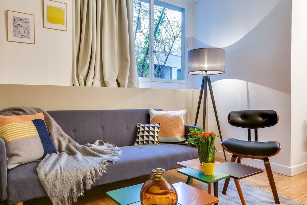 Le Vaugirard 3 Bedrooms Apartment