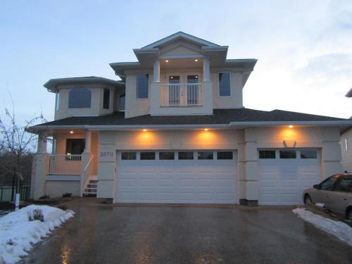 Gorgeous Golf Course Home By West Edmonton Mall