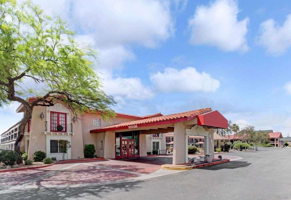 Gallery image of Days Inn Tucson City Center