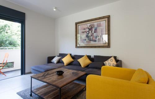 Sunny Luxury Apartments