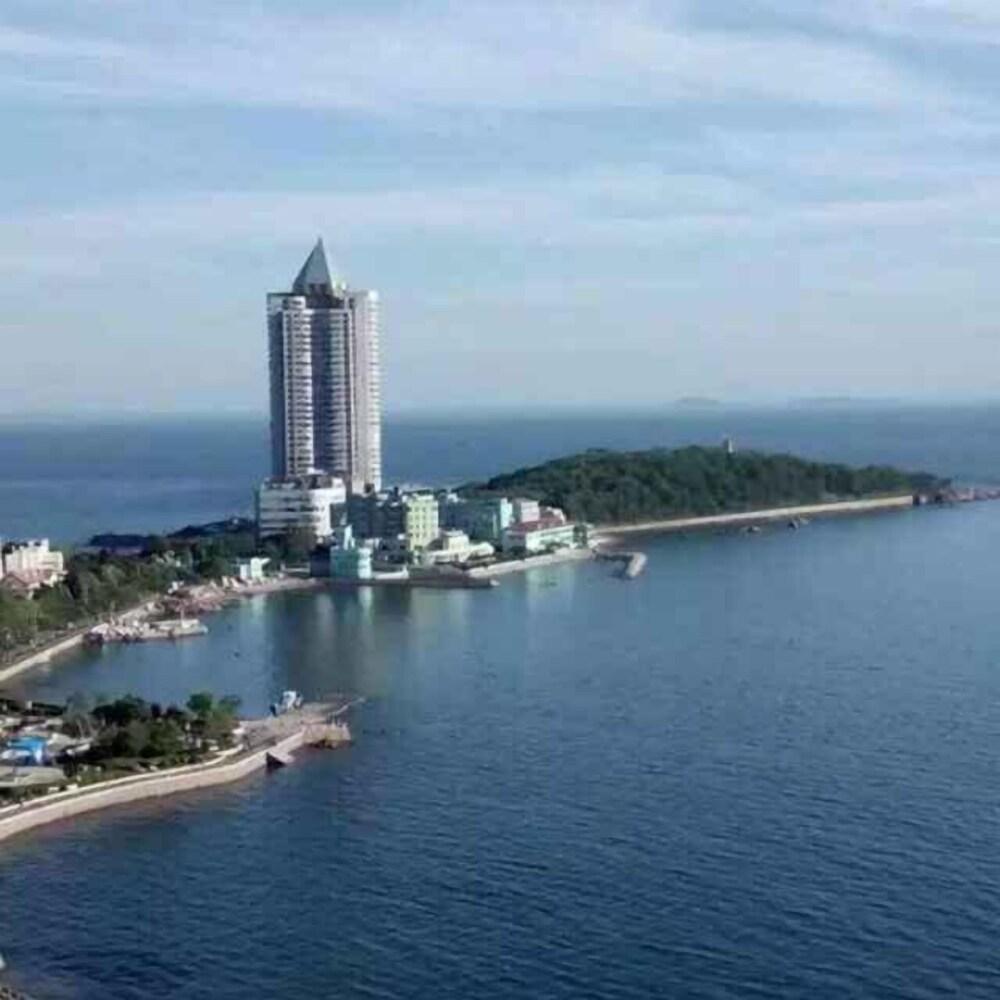Qingdao Donghai Hotel