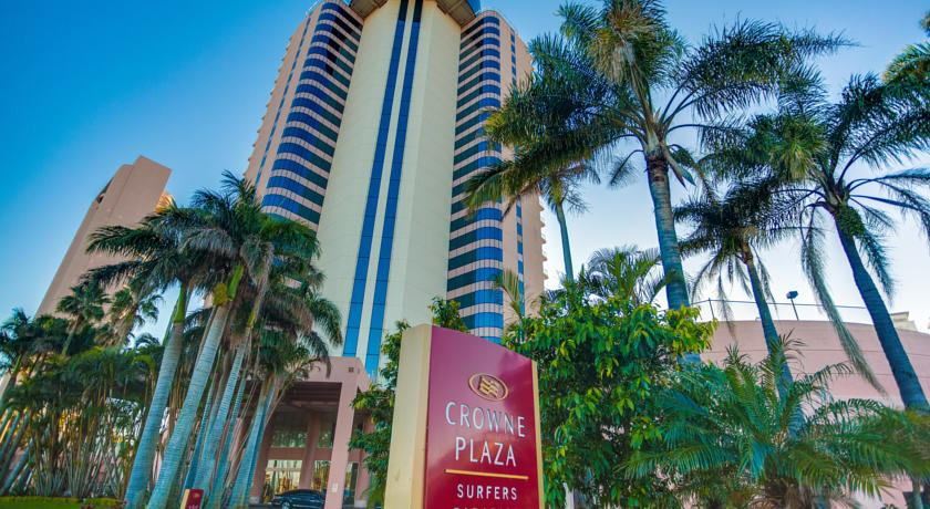 Crowne Plaza Gold Tower Surfer