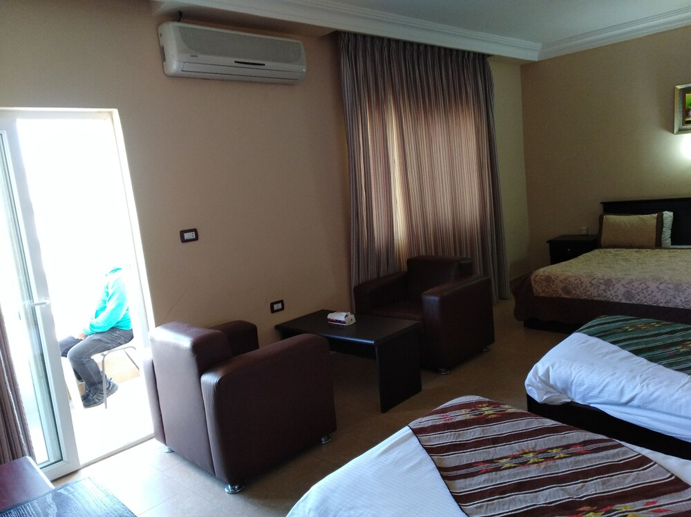 Gallery image of Delilah Hotel