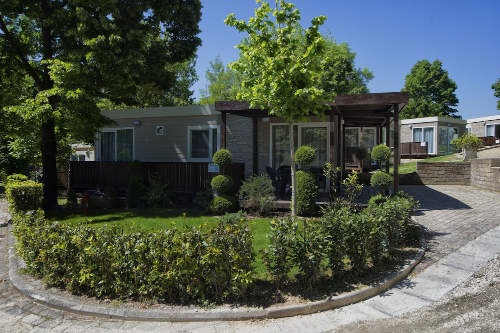 Flaminio Village Bungalow Park Campground