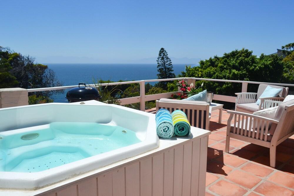 Seabreeze Luxury Two Bedroom Penthouse