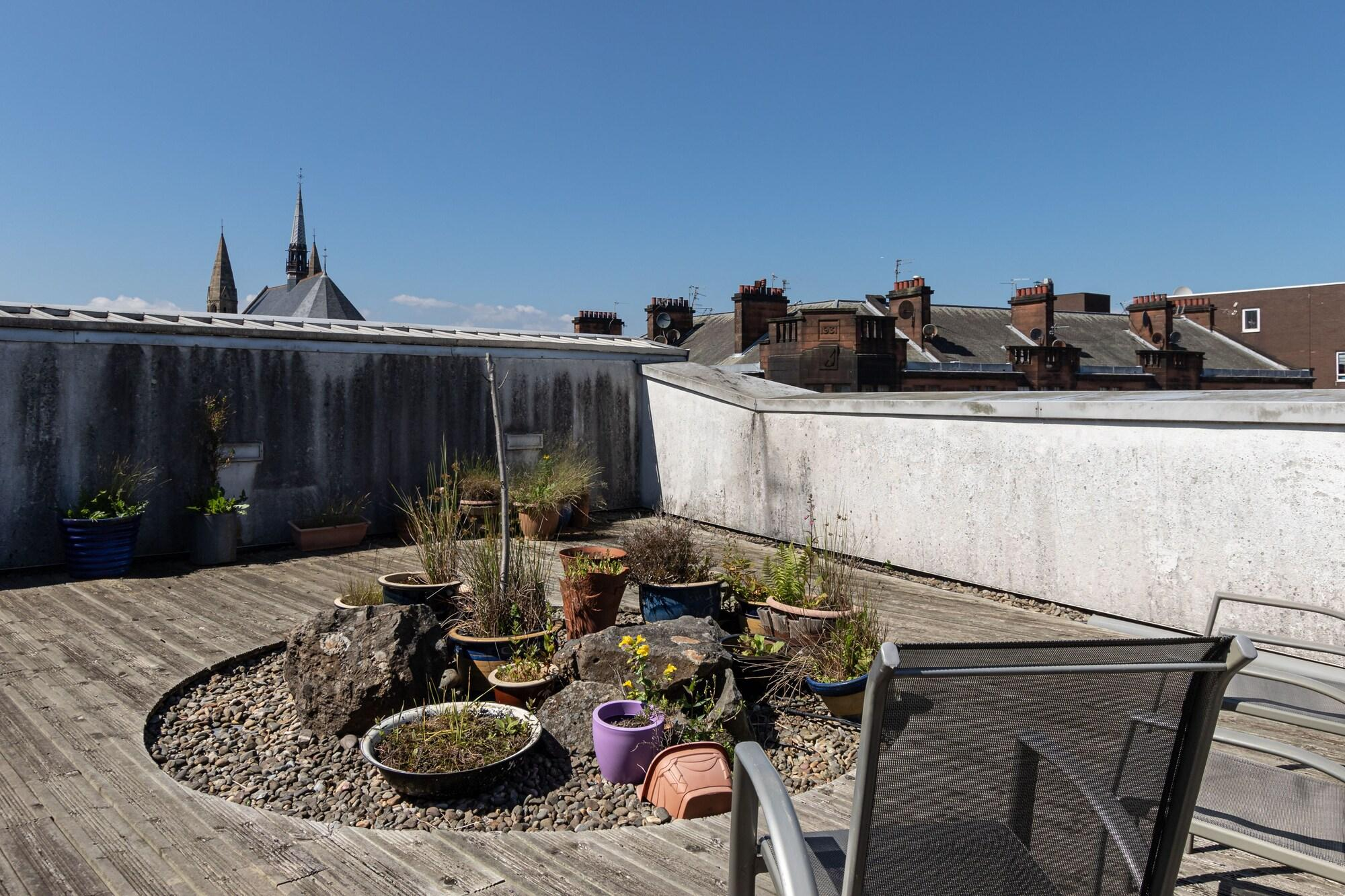 Hillhead Apartment with Roof terrace