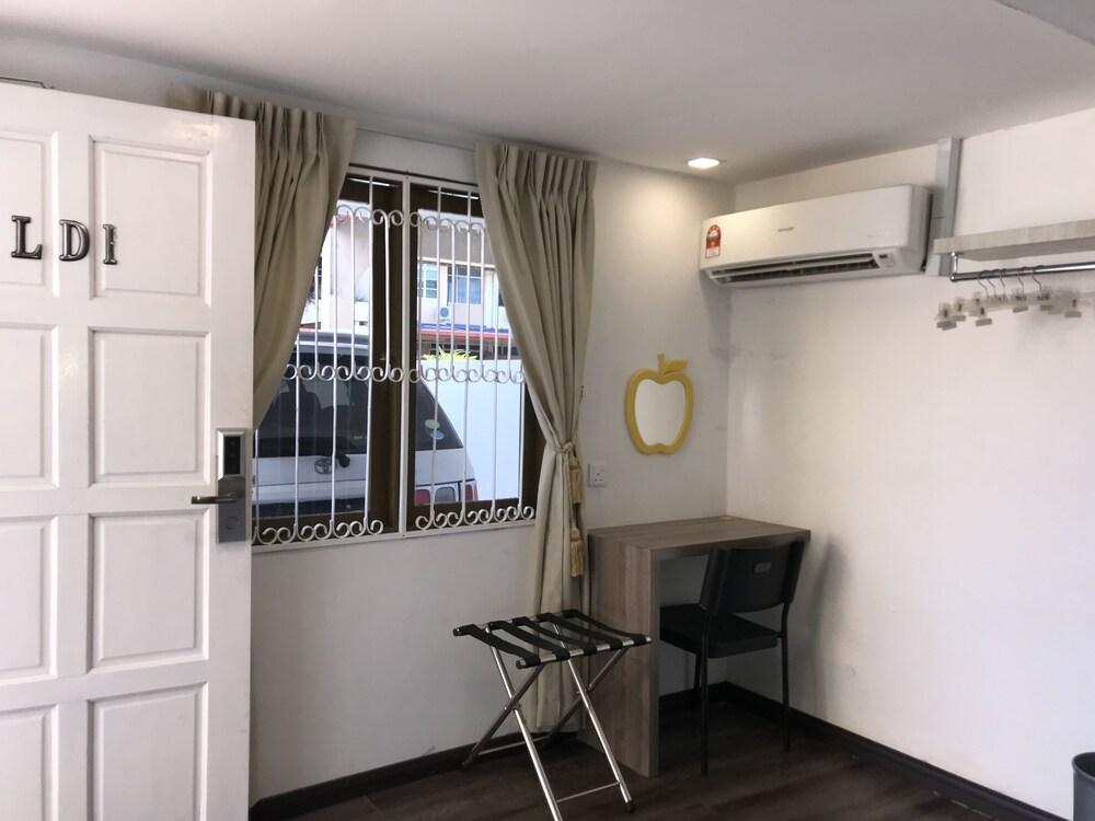 Gallery image of Natol Villa London