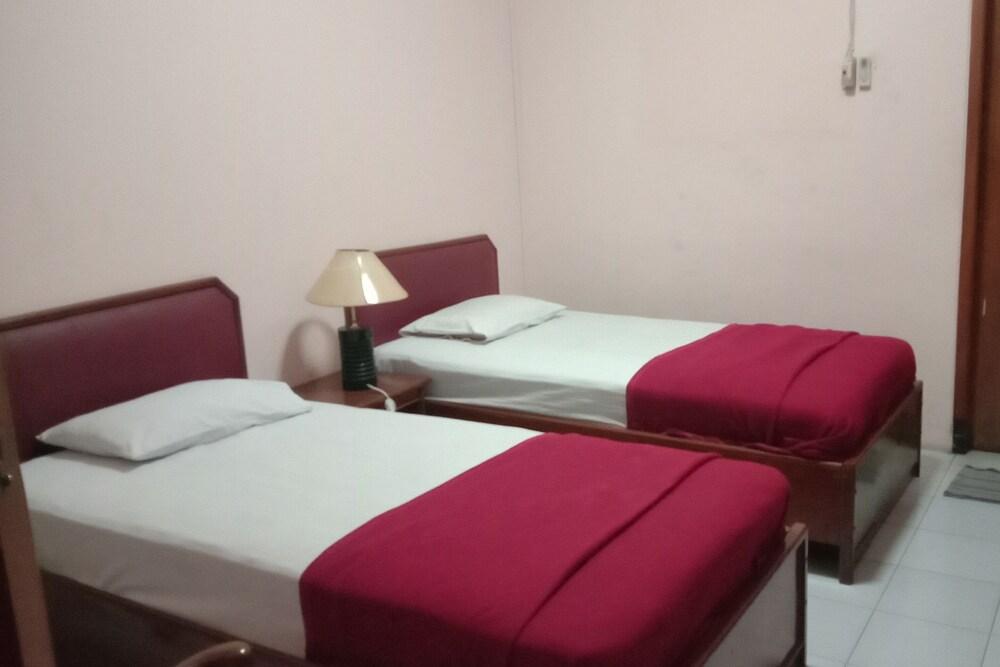 OYO 1751 Hotel Trihadhi