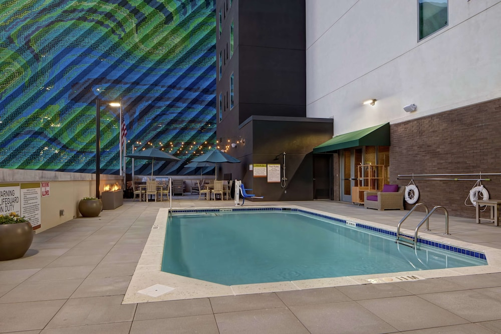 Home2 Suites by Hilton Charlotte Uptown NC