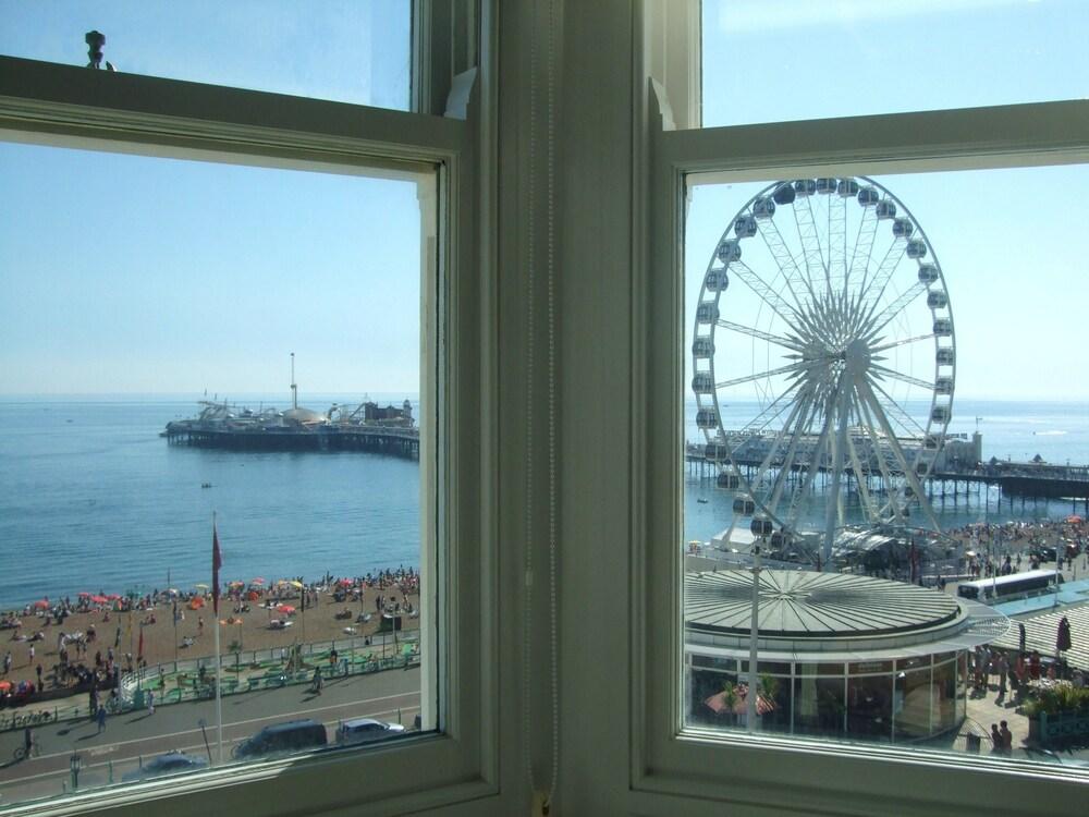 Gallery image of Legends Hotel Brighton
