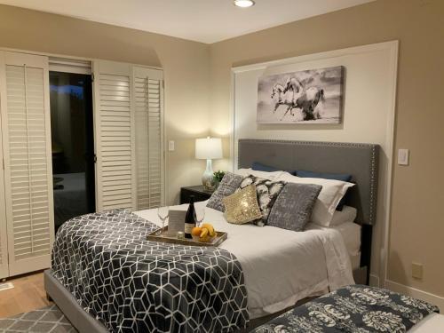 Room next to Santana Row