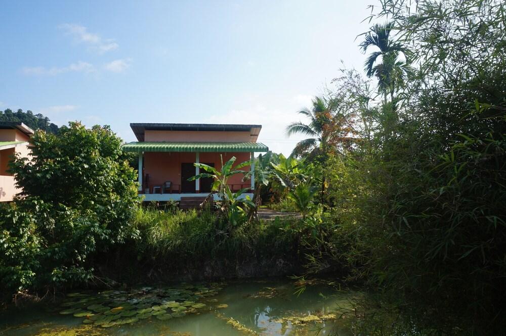 Gallery image of Bangsak Hut