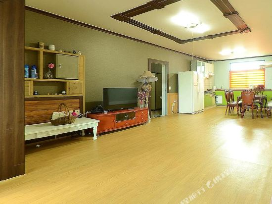 Gallery image of Yeongheung do Lumiere Pension